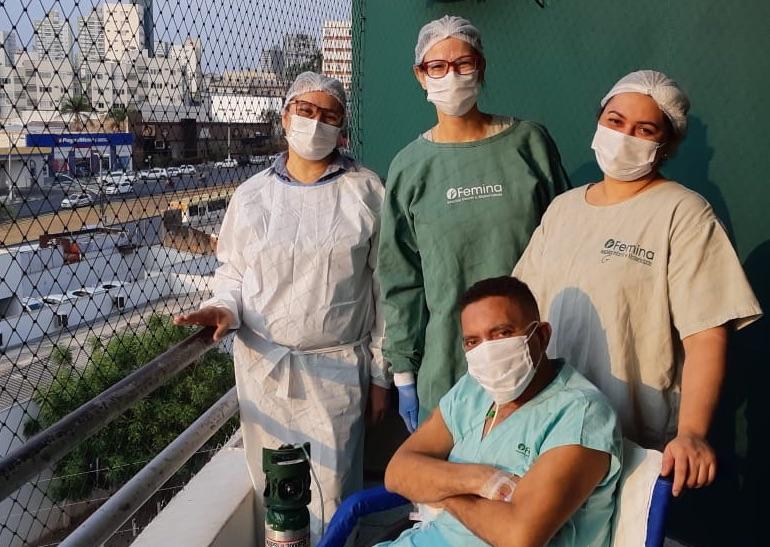 Após 58 dias entubado na UTI, paciente vê o céu de Cuiabá