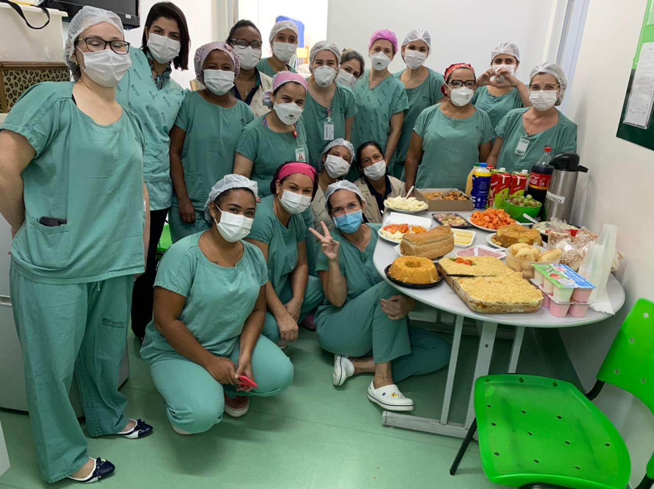 Equipe da UTI Neo e Pediátrica comemora Dia da Mulher com café da manhã