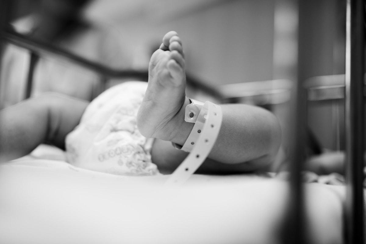Em meio à pandemia, videochamadas unem pais e bebês em UTI Neonatal da Femina